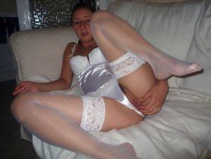 Caitlyn escorts services in Bridgeton
