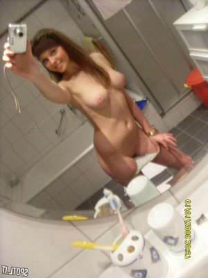 Iroise live escorts in Fernley, NV
